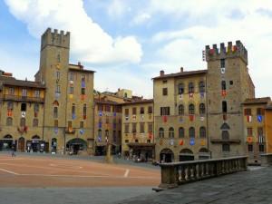 arezzo piazza grande squere